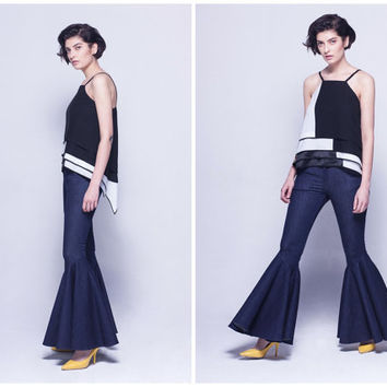 bell bottom jeans in navy,skinny,high waist,elegant,vintage style,fashion,flared hem,for summer and autumn.