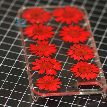 unique iphone 5 case iphone 4 case iphone 4s case Iphone 5s case 5c glitter Dried Dry daisies Pressed Flower Red Clover Real Flower resin