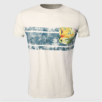 Best patterned pocket tees products on wanelo for Hawaiian graphic t shirts