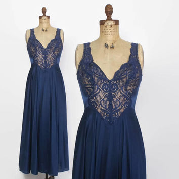 Vintage 70s OLGA NIGHTGOWN / 1970s Silky Navy Blue Sheer Lace Full Sweep Negligee 92770