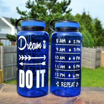 Dream It DO IT // Water Intake Tracker // Motivational Water Bottle // Custom Colors Available