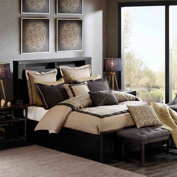 Hampton Hill Serpentine Comforter Set