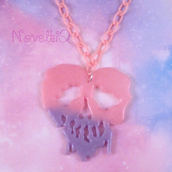 Dripping Skull necklace