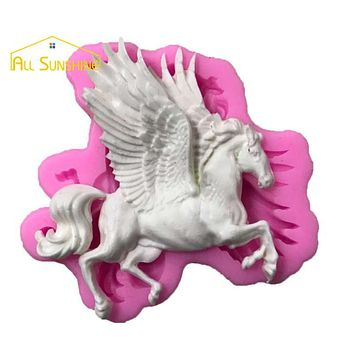 Pegasus Horse with Wings Fondant Cake Mold Candle Chocolate Candy Mold DIY Baking Gadgets Cake Decorating Tool Molde de Silicone