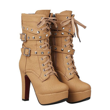 Vintage Boots With Rivet and Chunky Heel Design