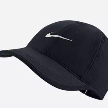 ESBONG6 Nike Aerobill Featherlight Dri-Fit Black/White Unisex Tennis Cap Hat 679421-010