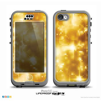 The Glowing Golden Light Skin for the iPhone 5c nüüd LifeProof Case