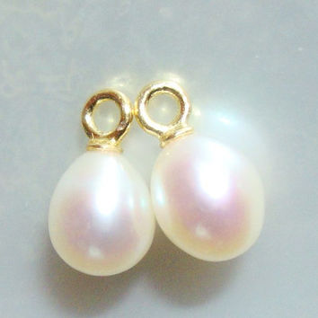 Freshwater Pearl Dangle, Fresh Water Pearl Pendant, AAA Creamy White Drop Pearl, choose your finish, 2 pcs,10-11x6mm
