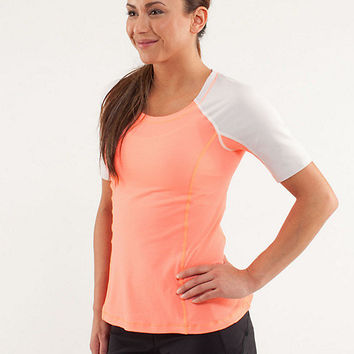 run: turn it up tee | women's tops | lululemon athletica