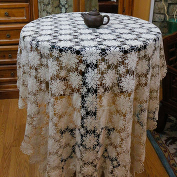 Crochet Bed Cover, Crochet Tablecloth, Ecru or Beige, Snowflake Motif, Lace Bed Cover, Shabby Chic, Country Decor, Vintage