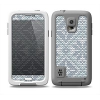 The Knitted Snowflake Fabric Pattern Skin for the Samsung Galaxy S5 frē LifeProof Case