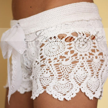 Crochet beach shorts in cotton Custom made to order by Irenastyle