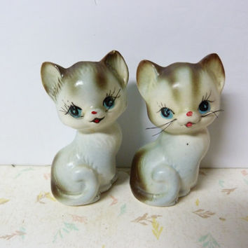 Vintage 1950's Salt and Pepper Shakers Kitty Cat Salt and Pepper