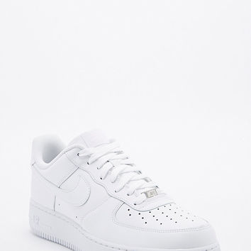 Nike Air Force 1 '07 Trainers in White - Urban Outfitters