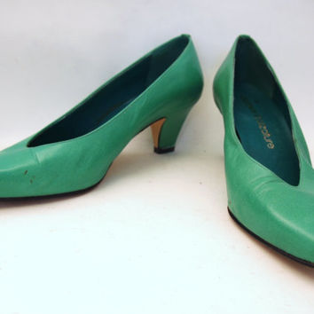 Best Vintage Kitten Heels Products on Wanelo