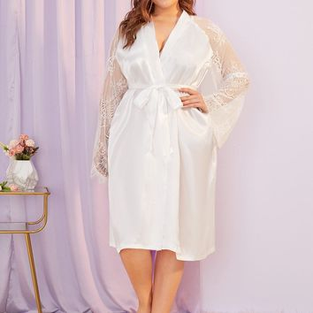 Plus Contrast Lace Satin Robe With Belt