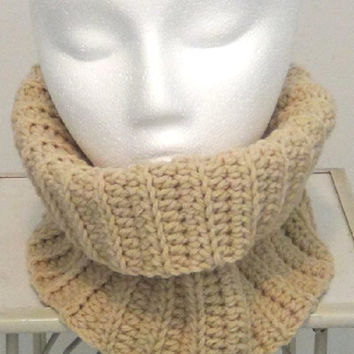 Neckwarmer - Beige Fitted Cowl