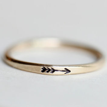 Arrow ring, 14k Gold filled arrow ring, Gold arrow ring, Arrow stacking ring, Stacking ring, Engraved ring, Gold ring, Personalized ring