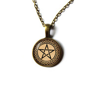 Occult Pentacle pendant Wicca necklace Pagan jewelry n 339