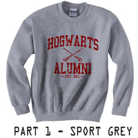 PART 1 - Hogwarts Alumni est 993 Harry Potter Gildan Crewneck Sweatshirt  S to 2XL