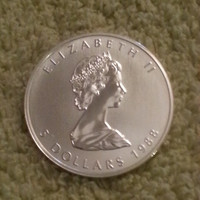 1988 1 oz Canadian Silver Maple Leaf in (capsule)
