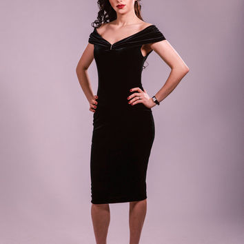 Black dress, evening dress, cocktail dress, party dress, velvet dress, off the shoulder dress, fitted dress, elegant dress