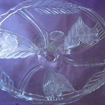 Vintage Avon Flower Design 24% Lead Crystal Glass Cake Plate made West Germany
