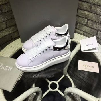 Alexander McQueen men and women with the same paragraph fashion casual shoes color white shoes