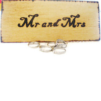 Wedding table decoration Mr and Mrs Customized by KnottyNotions