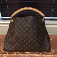100% Authentic Louis Vuitton Artsy MM Handbag