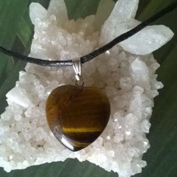 Tiger Eye Heart Pendant Necklace Capricorn Gemini Modern Birthstone Natural crystal Gemstone necklace Polished gems stone bead charm