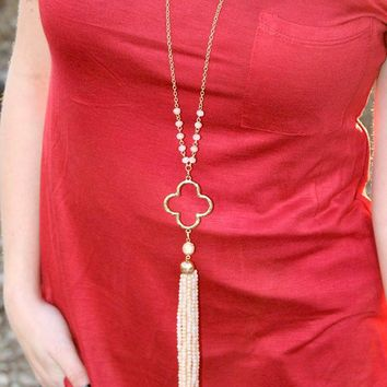 Four Leaf Clover Beaded Long Necklace - 2 Colors