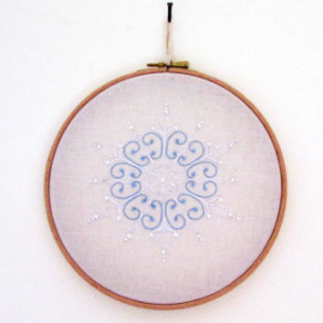 Christmas Embroidery Hoop , 8 inch snowflake hand embroidery hoopla in white and light blue seasonal wall hanging , uk seller