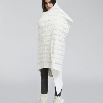 ESBONN Oysho Chenille Yarn Woven White Warm Winter Comfort Blanket