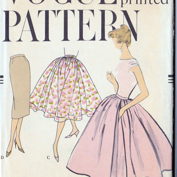 "1950s Slim Skirt or Full Circle Skirt Easy to Make, Vintage Sewing Pattern, Rockabilly, Summer Fashion, Vogue 9410 Waist 24"", hip 33"" uncut"