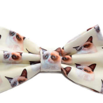Grumpy Cat Bow Tie - Novelty Bow Tie with Adjustable Strap