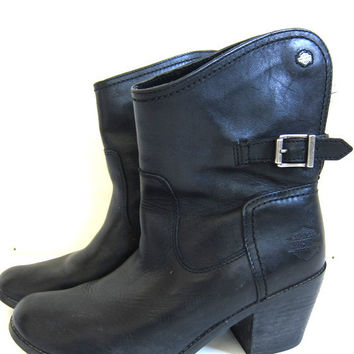 Vintage black leather Harley Davidson biker boots. buckle ankle boots. womens size 9.5