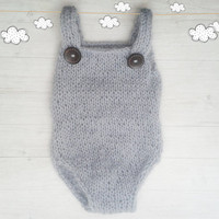 Knitted baby romper in neutral color to fit baby boys and baby girls / Newborn Photo props