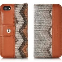 Le nouveau Wave Series iPhone 5 and 5S Flip Leather Case - Dark Brown