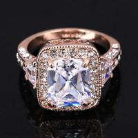 Exaggerated Luxurious Swiss Crystal Wedding Finger Rings 18K Gold Plated CZ Diamond Jewelry For Men and Women