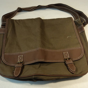Standard Laptop Shoulder Bag Lightweight Khaki/Brown Nylon Faux Leather -- New