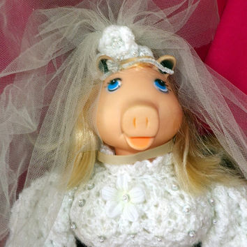 Bride Miss Piggy - in Jim Henson's Muppet Babies of the 1980s