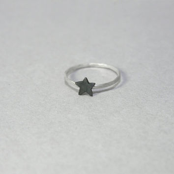 Star ring, sterling silver, skinny stacking ring, dainty hammered black star ring, knuckle ring, everyday jewellery