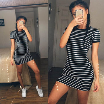Black and White Stripes Cotton Round Necked Short Sleeve One Piece Dress a11142
