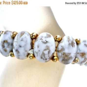 Sale Har Bracelet, Dinosaur Egg Rhinestones, Hinged Bangle, Signed Har, Vintage Jewelry, White Bracelet, Fashion Jewelry, Clamper