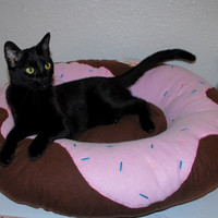 Frosted Donut Pet Bed