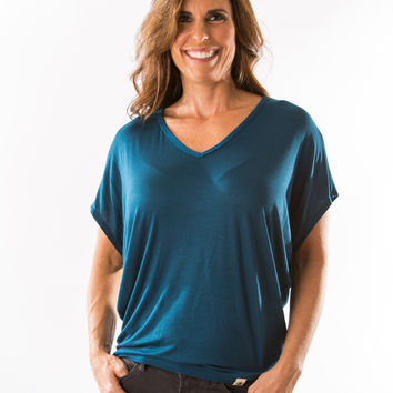Mayr Top, V-Neck (Teal) by Amour Vert
