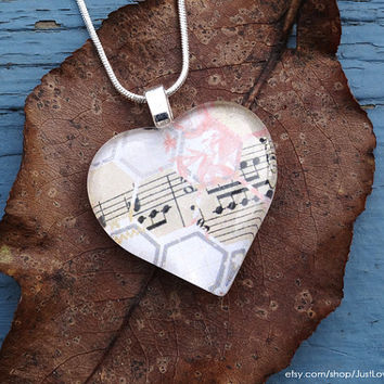 Music notes in heart - Glass pendant necklace - Valentine's Day gift for the music lover