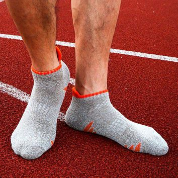 Professional Men Quick Dry Running Ankle Sport Socks Cycling Sox Hiking Climbing Compression Socks Men
