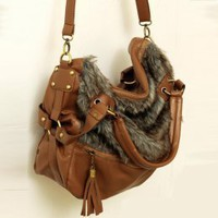 Graceful Buckles Tassels Messenger Bags Brown : Wholesaleclothing4u.com